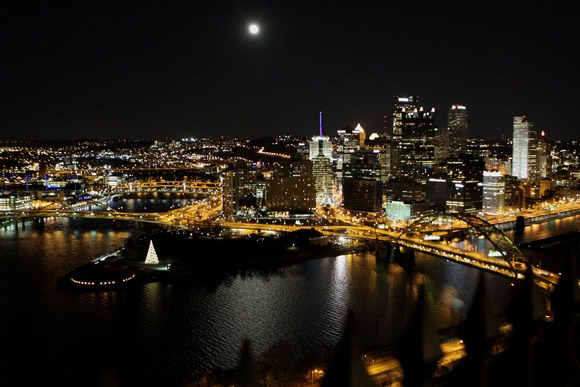 Full-Moon-Over-Pittsburgh